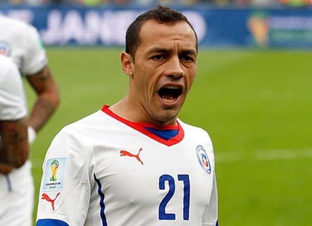 Marcelo Díaz trató con duras palabras al árbitro. Foto: Agencia UNO