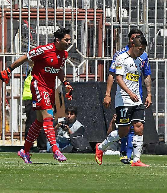 Herrera y Flores protagonizaron un entrevero en el partido. Foto: Agencia UNO