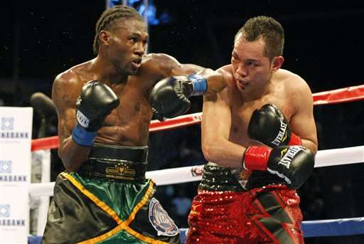 El jamaicano Nicholas Walters noquéo este sábado en el sexto round al filipino Nonito Donaire para hacer exitosa la primera defensa de su campeonato de peso pluma de la Asociación Mundial de Boxeo (AMB). Foto: AP