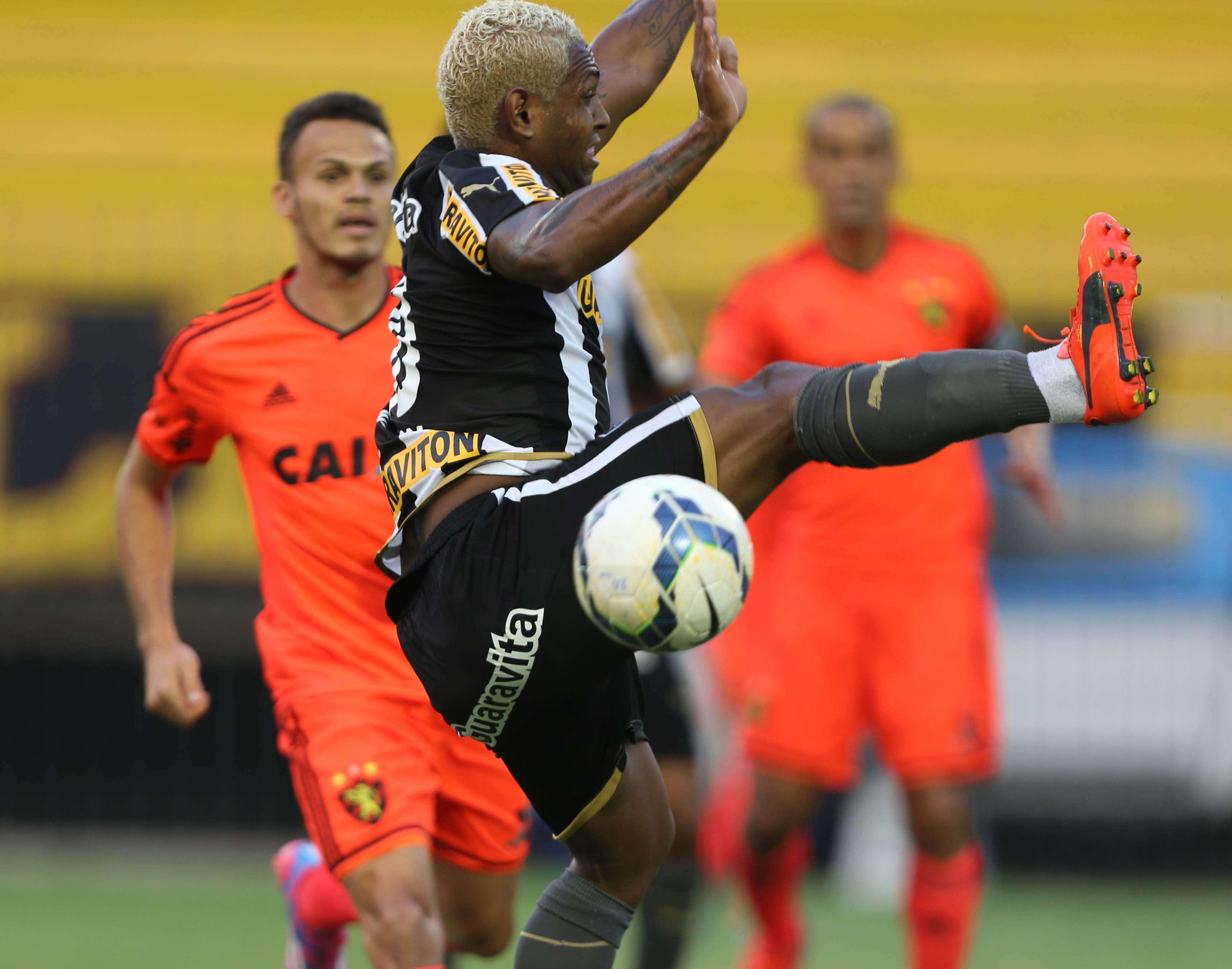 Jóbson voltou a atuar pelo Botafogo neste domingo Foto: Cléber Mendes/Lancepress!