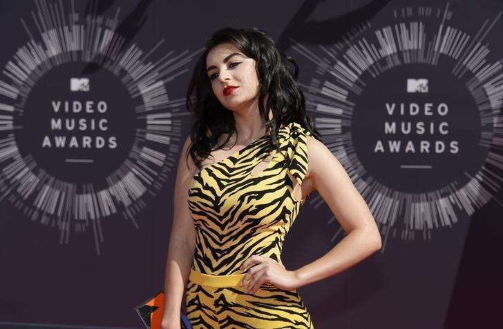 Charli XCX arrives at the 2014 MTV Music Video Awards in Inglewood, California August 24, 2014. Foto: Kevork Djansezian/Reuters