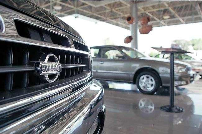 Considere gastos paraleos, como estacionamientos, gasolina, seguros o accesorios a la hora de decidir comprar un auto nuevo, aconsejan expertos en finanzas personales. Foto: Reforma