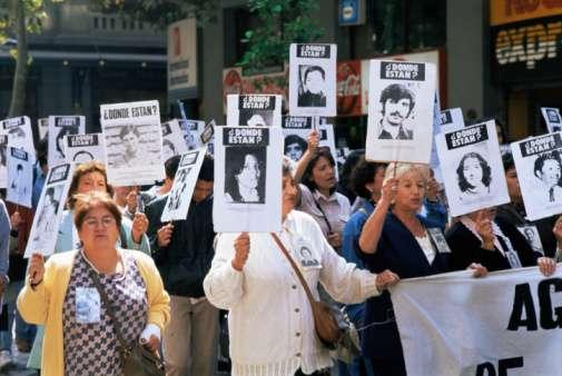 Labbé fue en Tejas Verdes instructor de los primeros agentes de la Dirección de Inteligencia Nacional en esa época, en que también formó parte del cuerpo de guardaespaldas de Pinochet. Foto: Getty Images