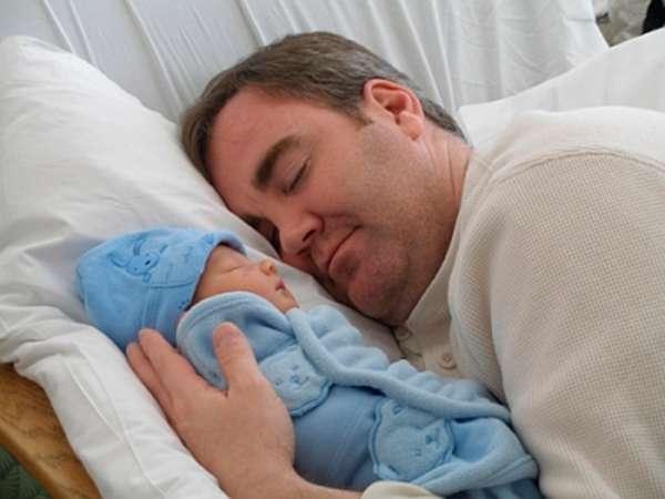 Buscan ampliar a 15 días las licencias por paternidad Foto: Web