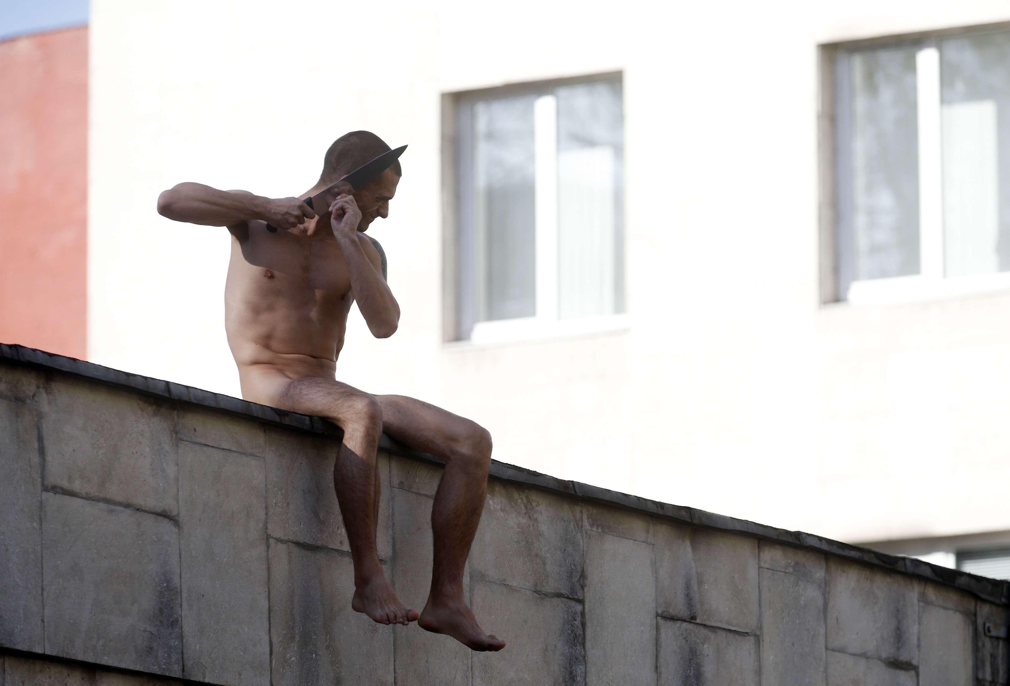 Pyotr Pavlensky se cortó el lóbulo de la oreja para protestar contra el uso de la psiquiatría con fines políticos. Foto: Reuters en español