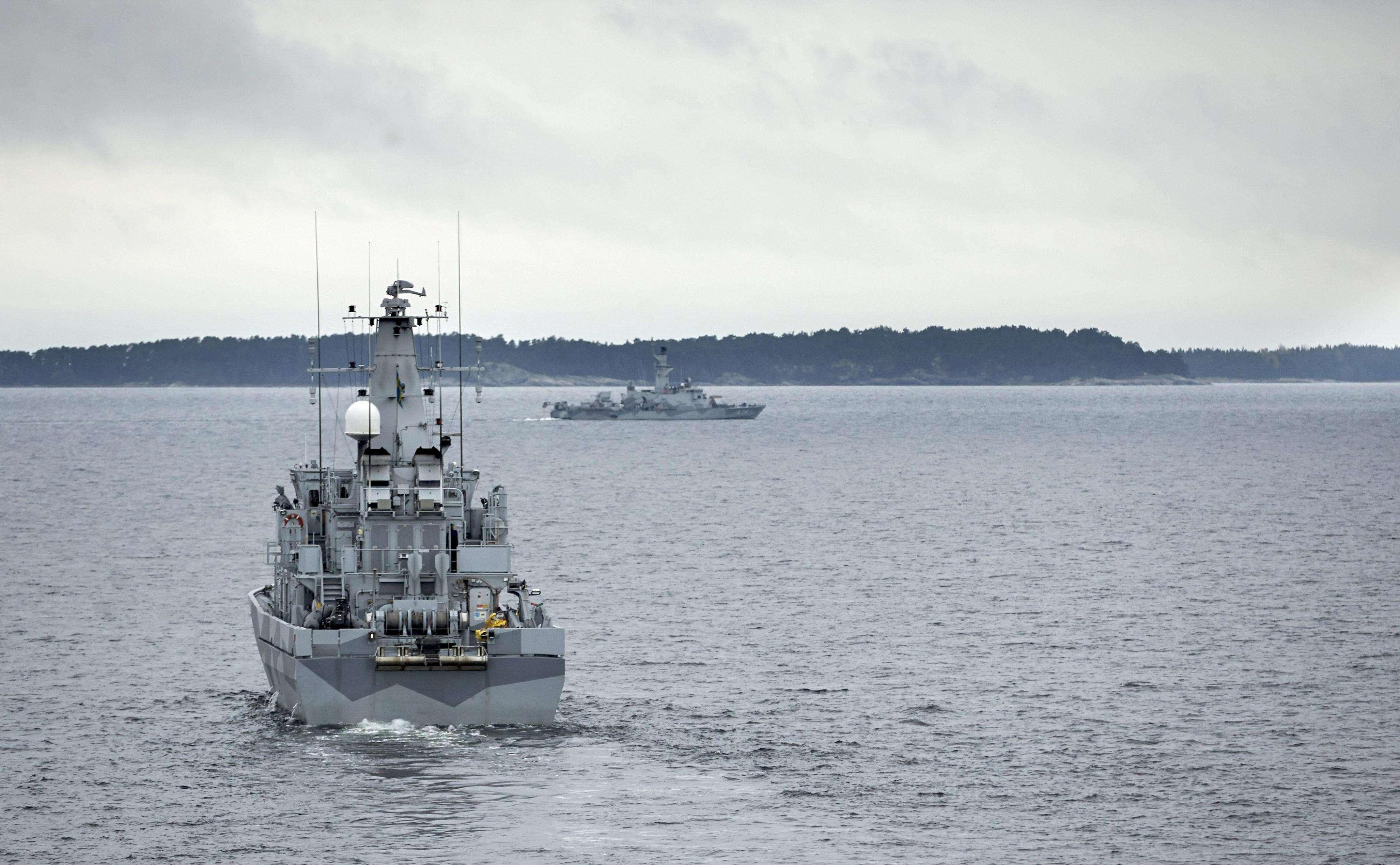 Navios suecos buscam suposto submarino estrangeiro Foto: MARKO SAAVALA /AFP
