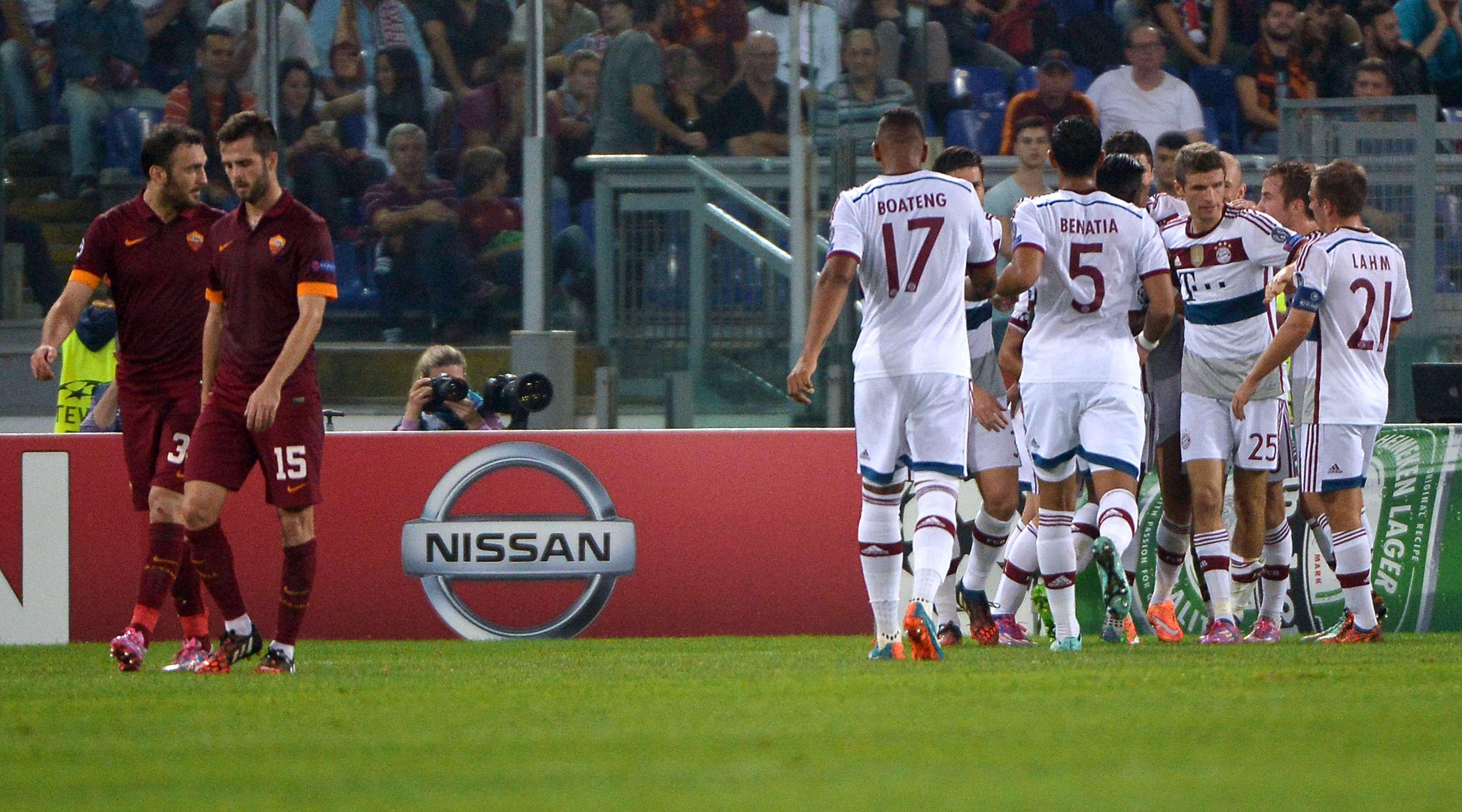 Roma mostrou fragilidade defensiva e foi completamente dominada pelo Bayern Foto: Alberto Pizzoli/AFP