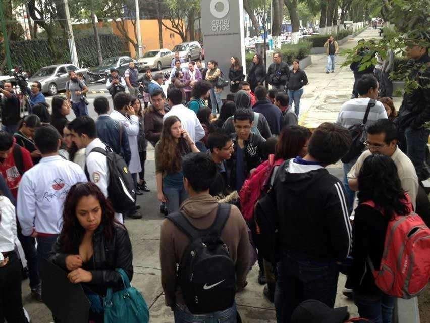 """Los estudiantes no explicaron el objetivo de la """"toma pacífica"""" y argumentaron que había que esperar al comunicado oficial. Foto: Reforma/Emily Corona"""