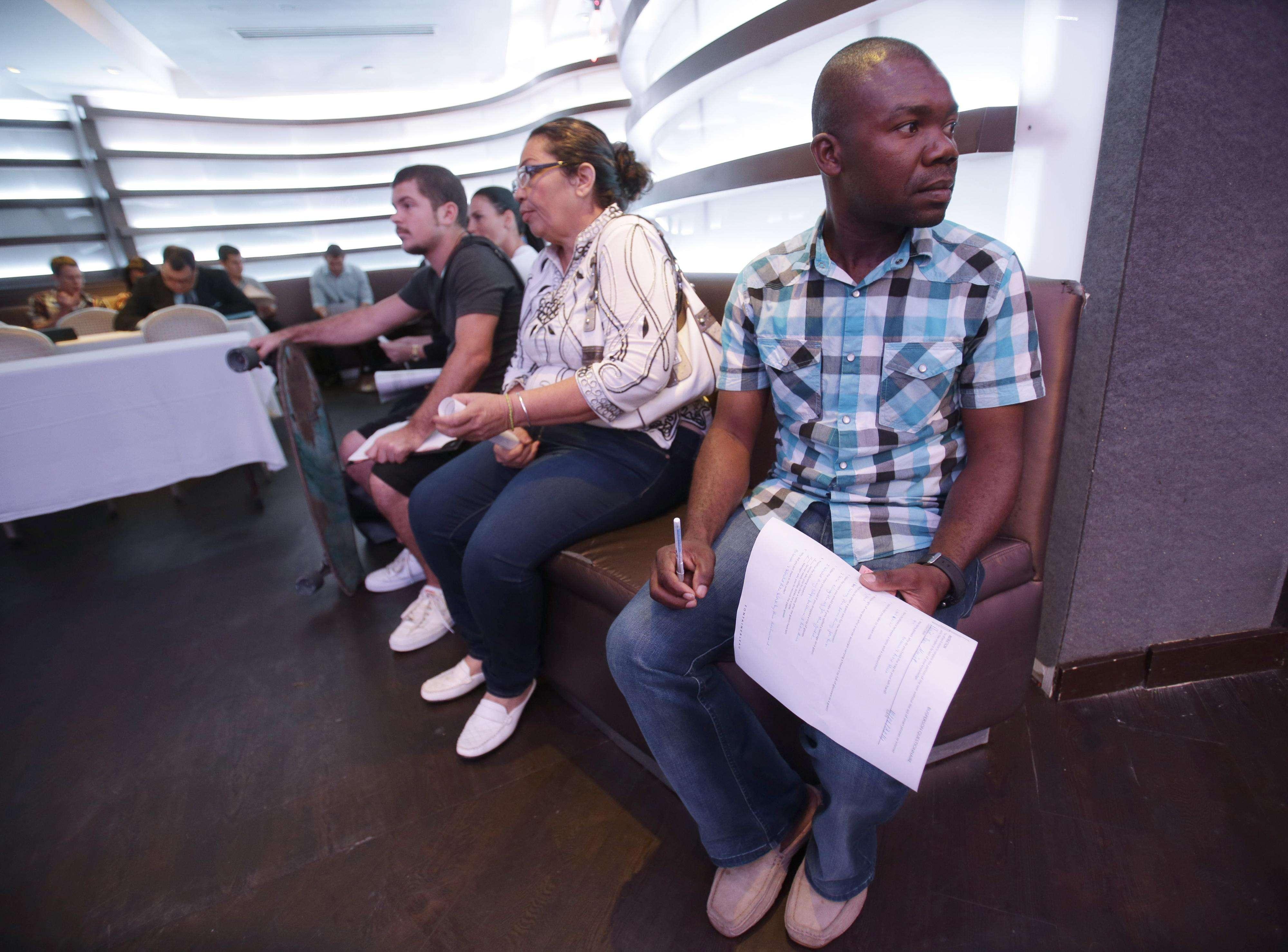 Jean Meryot durante una feria de empleo en Miami Beach, Florida, el lunes 6 de octubre de 2014. Foto: AP en español