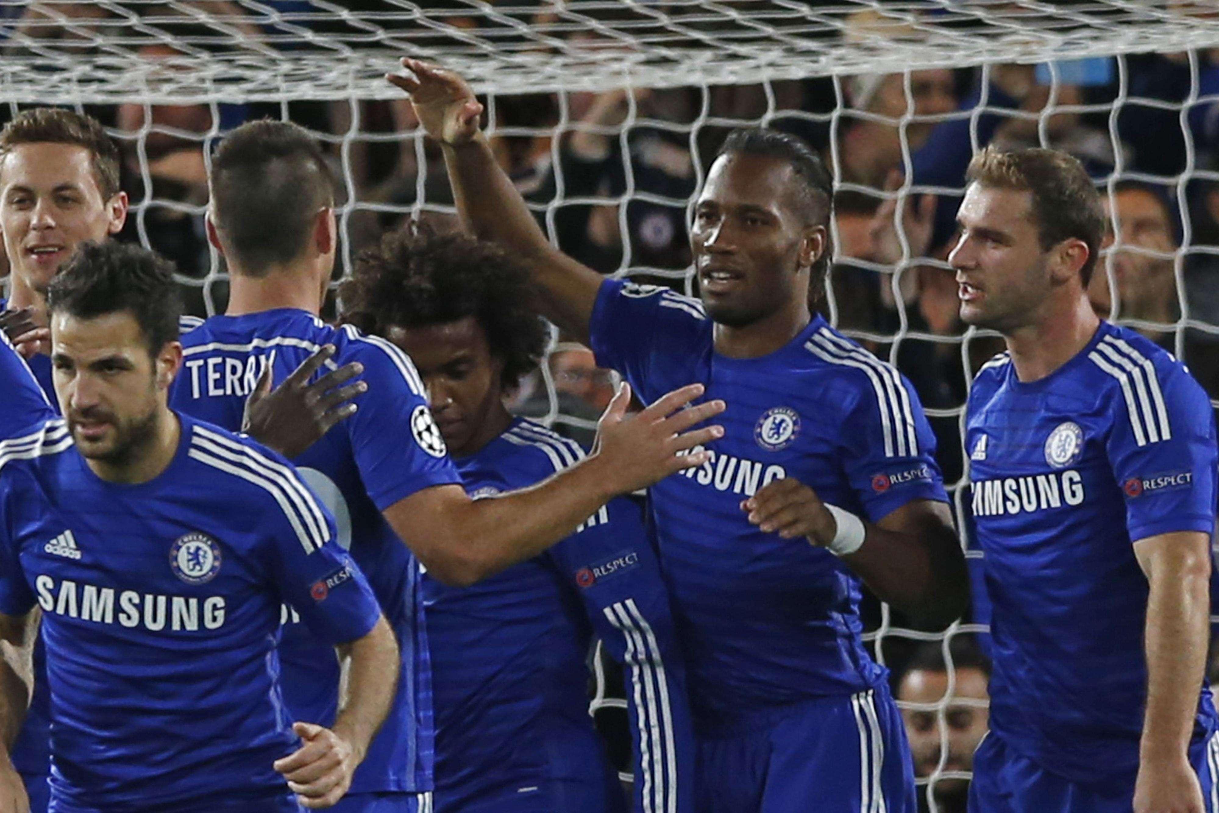 Drogba fez o primeiro gol no retorno ao Chelsea Foto: Alastair Grant/AP
