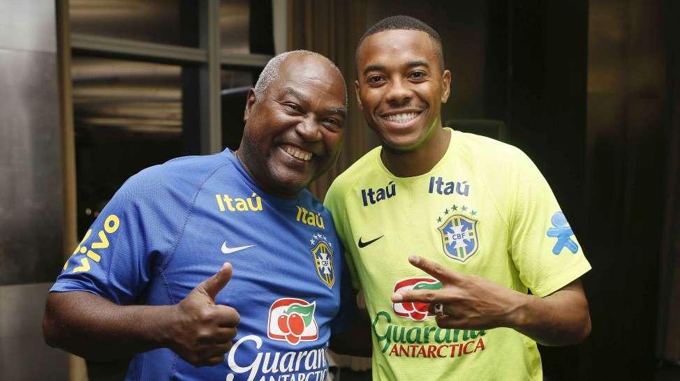 Edu foi tietado por Robinho, de acordo com a CBF Foto: Rafael Ribeiro/ CBF/Divulgação