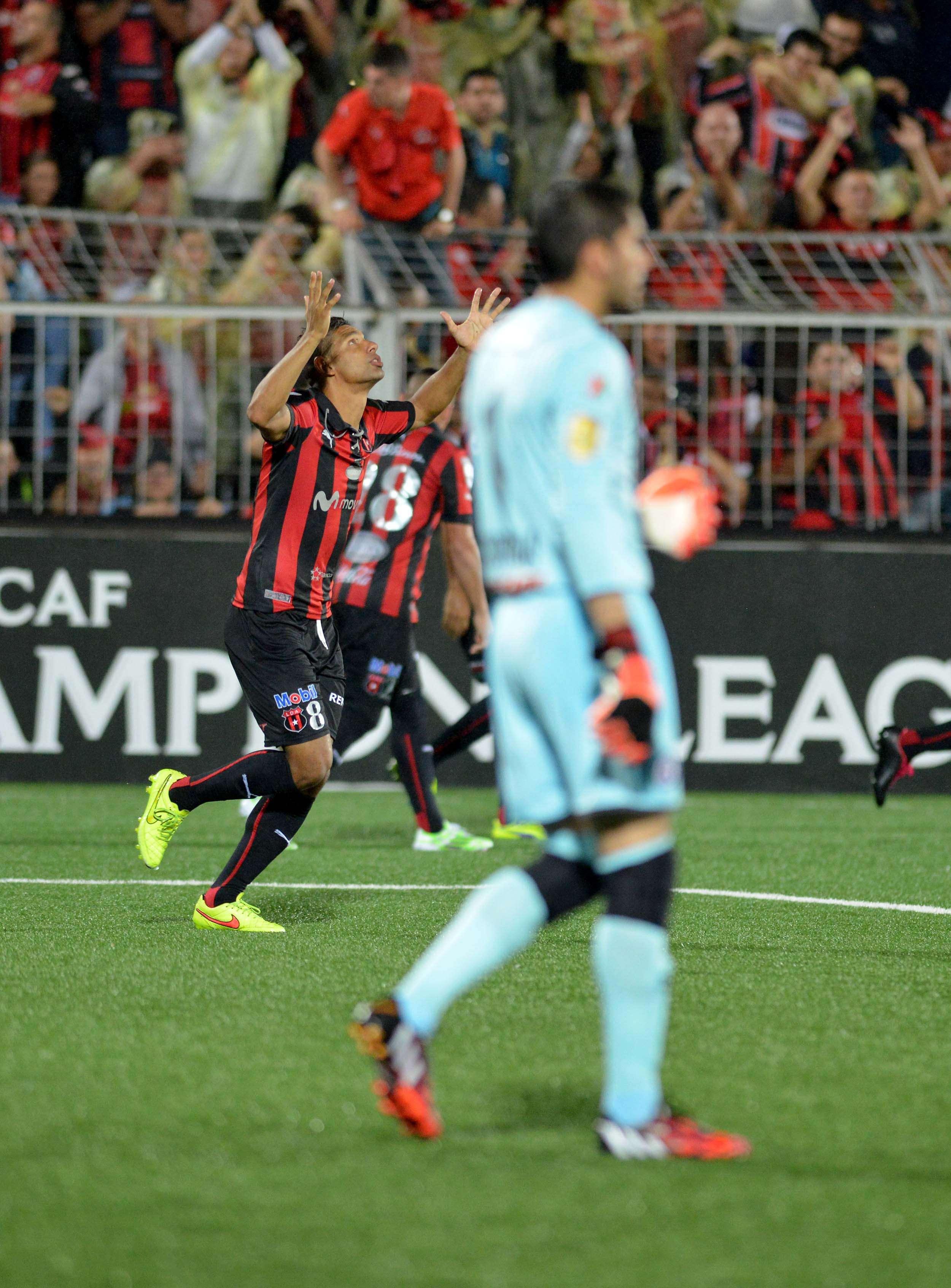 El Alajuelense de Costa Rica ahora eliminó a Cruz Azul de la Concacaf. Foto: AFP
