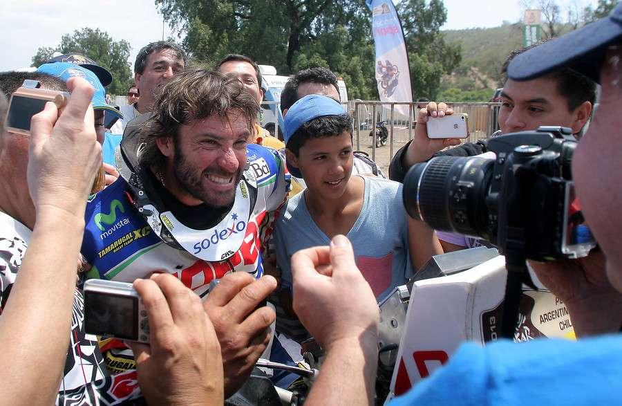 El piloto chileno ve dificil participar en el Dakar 2015. Foto: Agencia UNO
