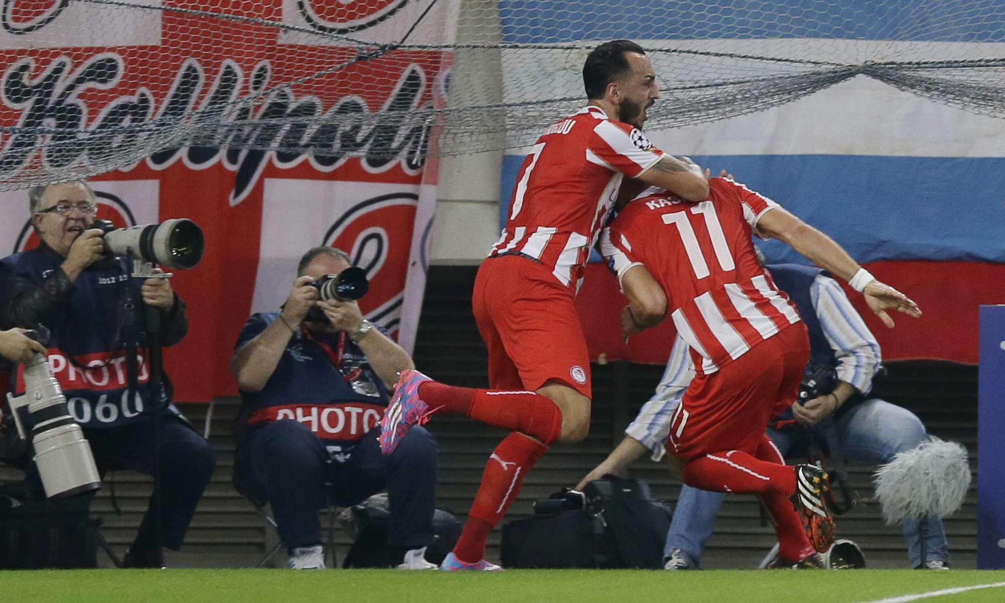 Kasami comemora gol no primeiro tempo Foto: Thanassis Stavrakis/AP
