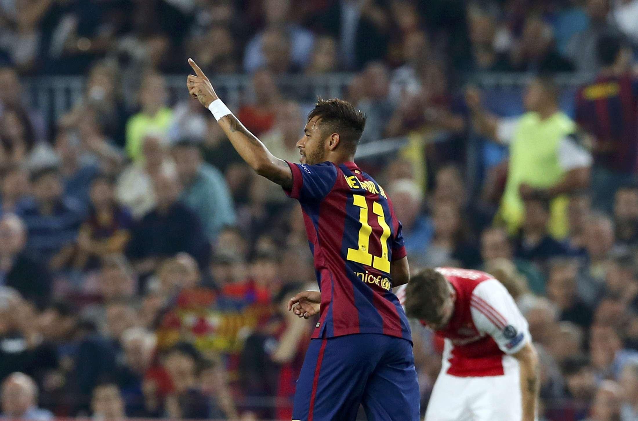 Neymar faz a festa; boa atuação pelo Barcelona Foto: Albert Gea/Reuters