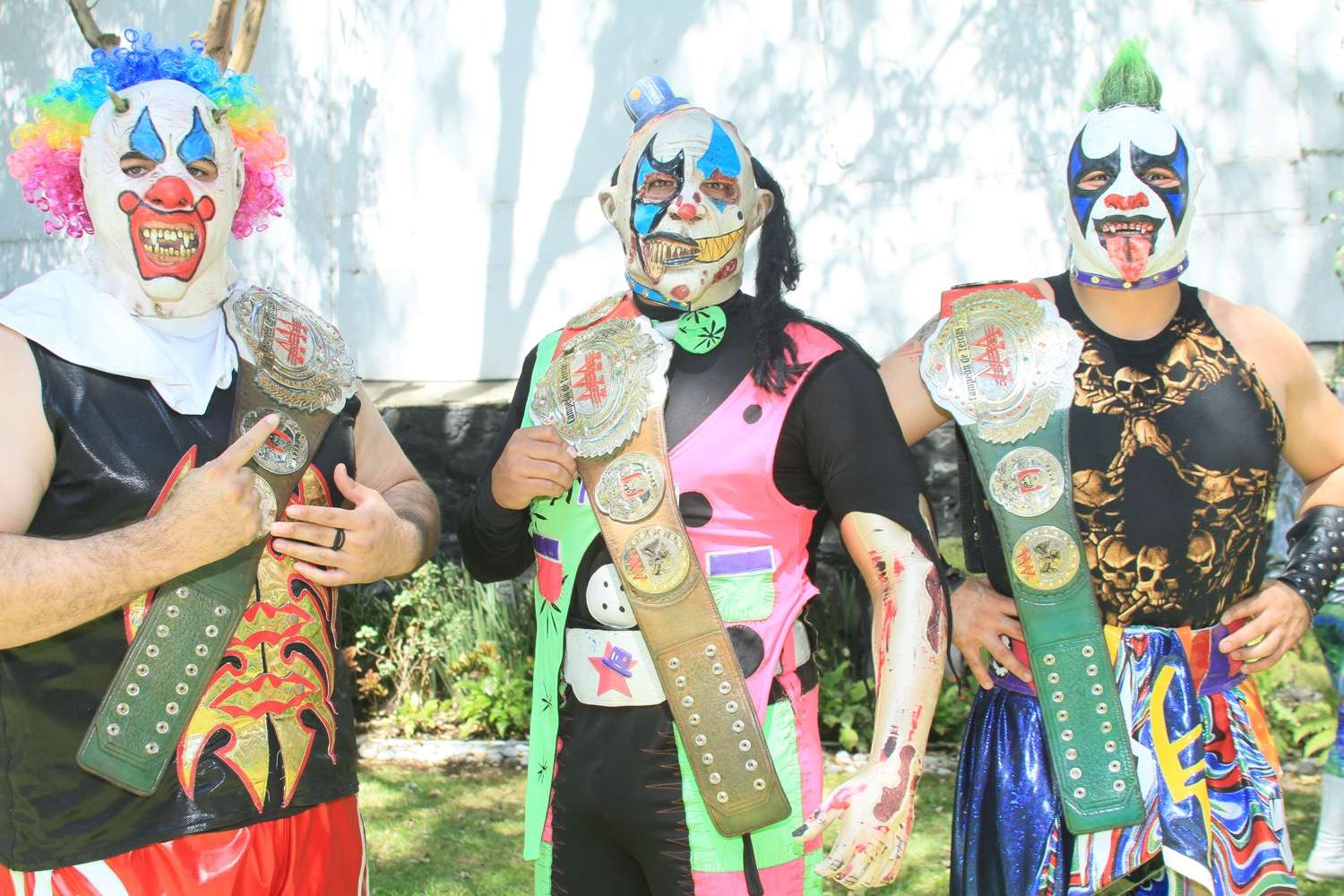 Murder Clown, Monsther Clown y Psycho Clown son los actuales campeones de tercias AAA. Foto: AAA
