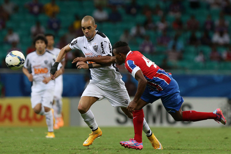 Diego Tardelli foi expulso no segundo tempo após ofender o árbitro Foto: Felipe Oliveira/Getty Images
