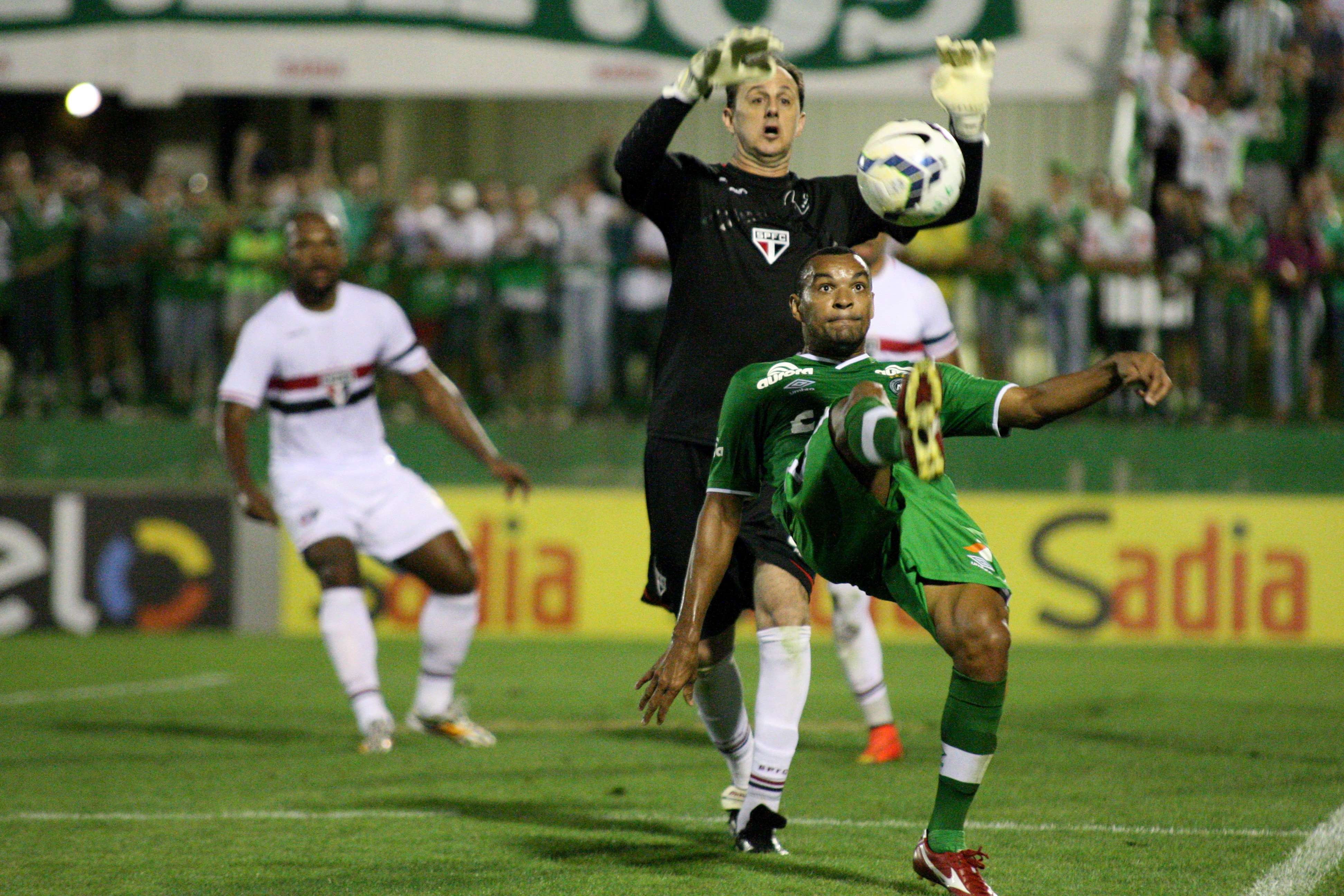 Rogério Ceni buscava vitória que lhe renderia recorde mundial no futebol Foto: Alan Pedro/Getty Images