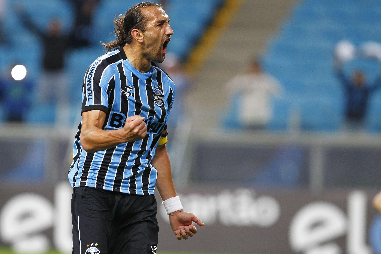 Grêmio saiu na frente após pênalti polêmico cobrado por Barcos Foto: Lucas Uebel/Getty Images