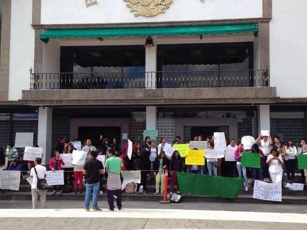 En febrero, un alumno de Derecho fue asesinado al interior del plantel Ecatepec y, al día siguiente, los estudiantes protagonizaron una manifestación en contra de la inseguridad en el municipio. Foto: Twitter/@Alerta_Ecatepec