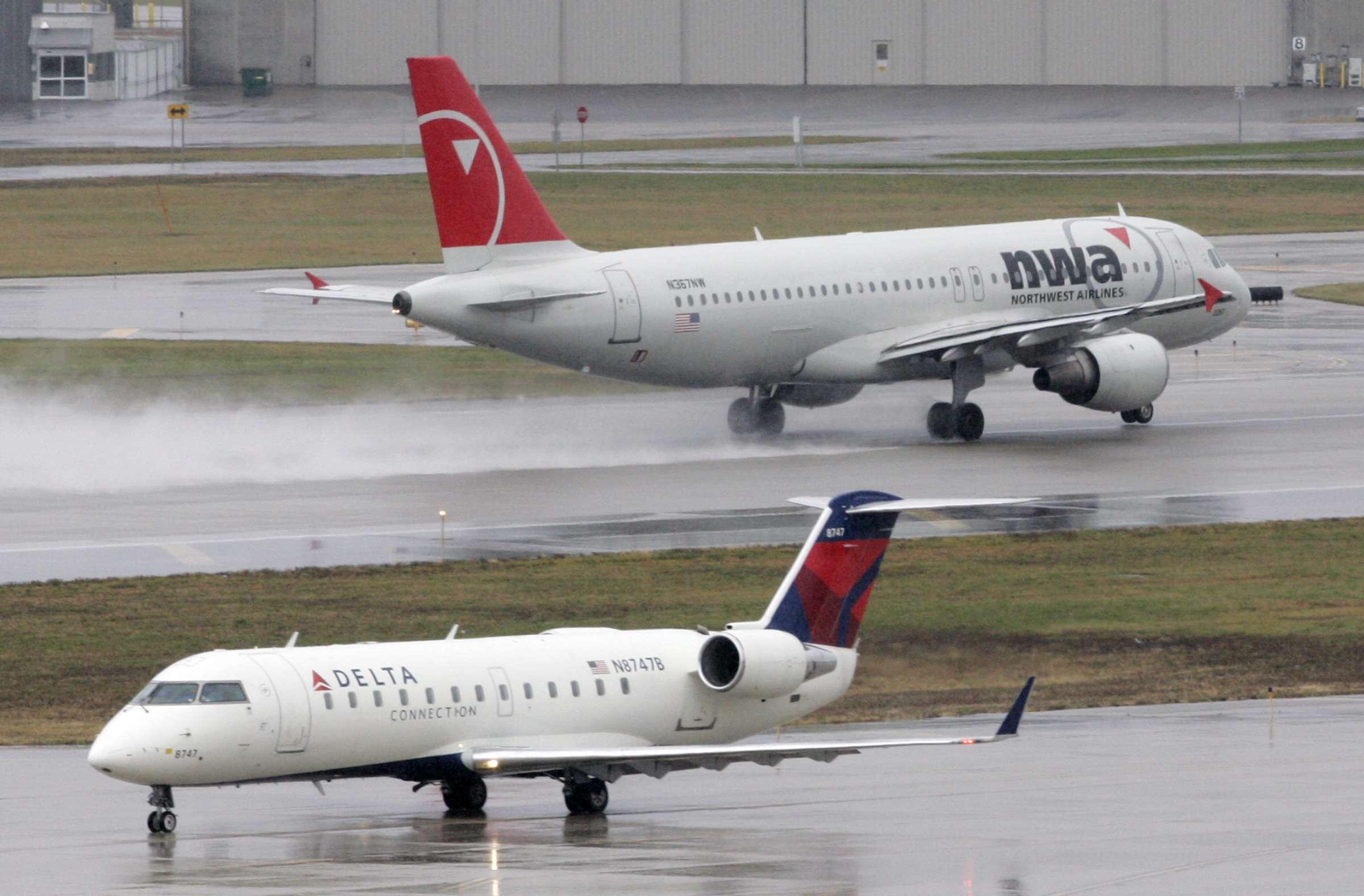Un avión de Delta 757 participó en el incidente en el aeropuerto de Minnesota, que afortunadamente no dejó heridos. Foto: AP en español