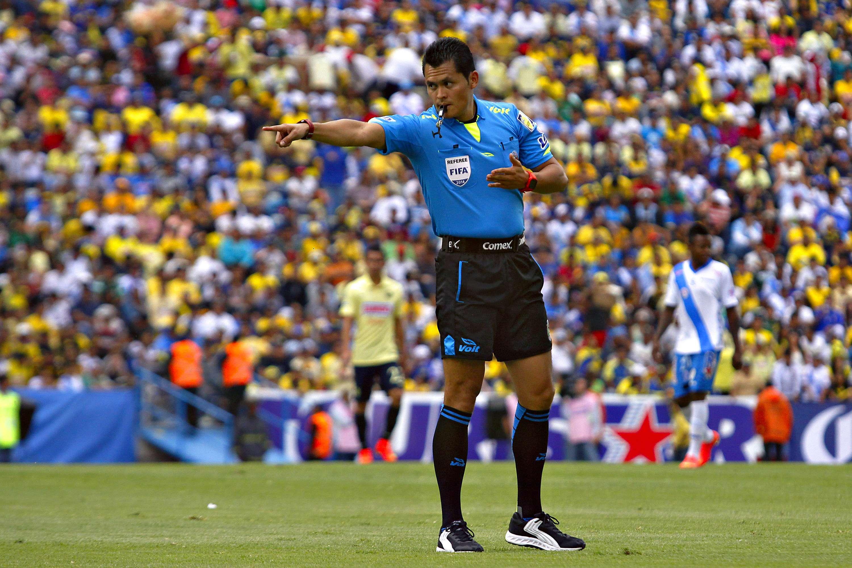 Jorge Antonio Pérez pitará el Rayados vs. Tigres, el partido más atractivo de la fecha 14. Foto: Imago7