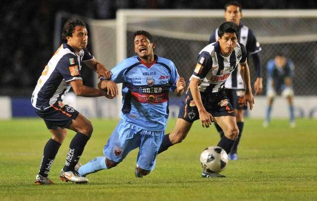 Reimond Manco jugó 7 partidos con Atlante de México en el 2011. Foto: Internet