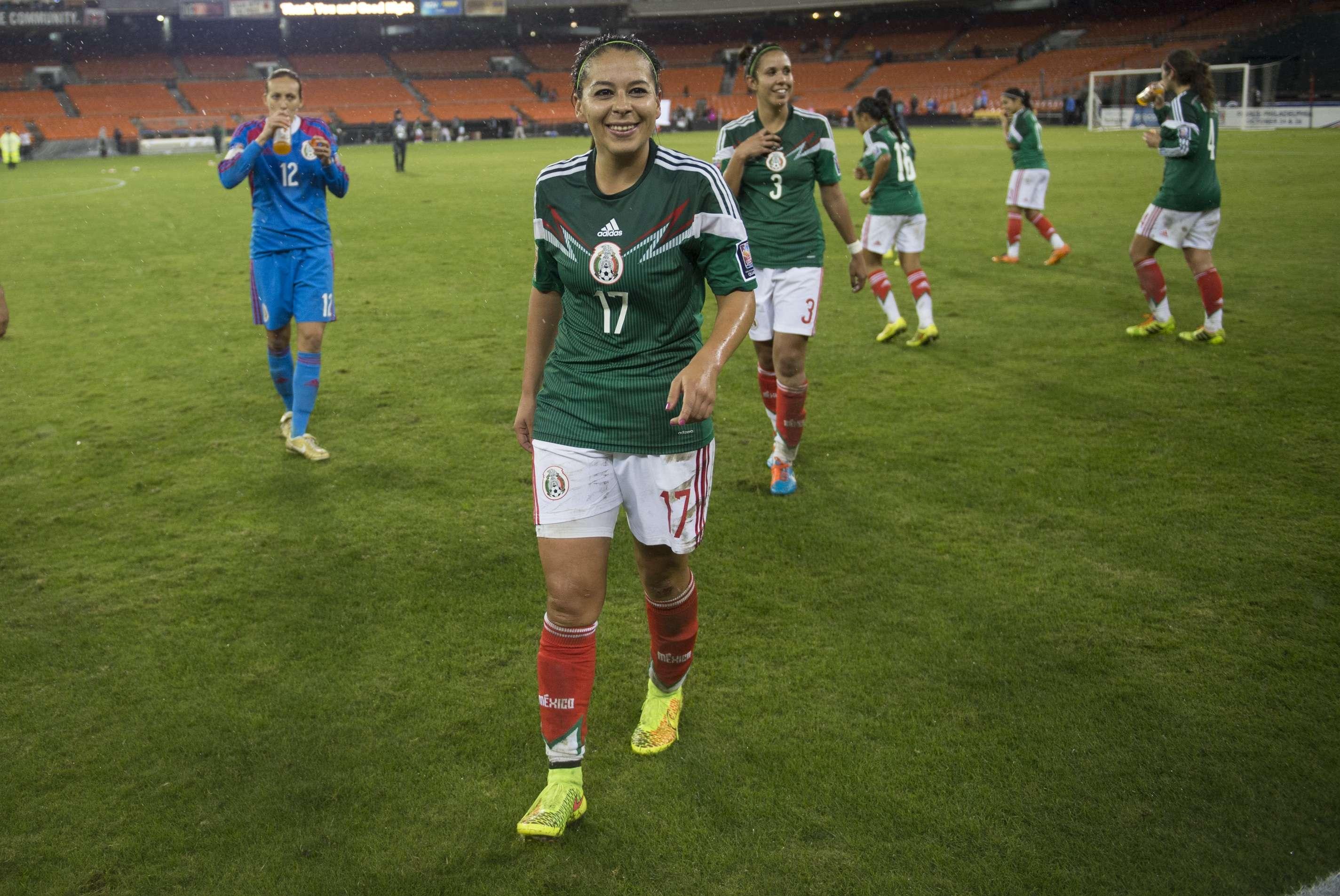 México femenil tendrá dos oportunidades para conseguir su clasificación para el Mundial Canadá 2015. Foto: Mexsport