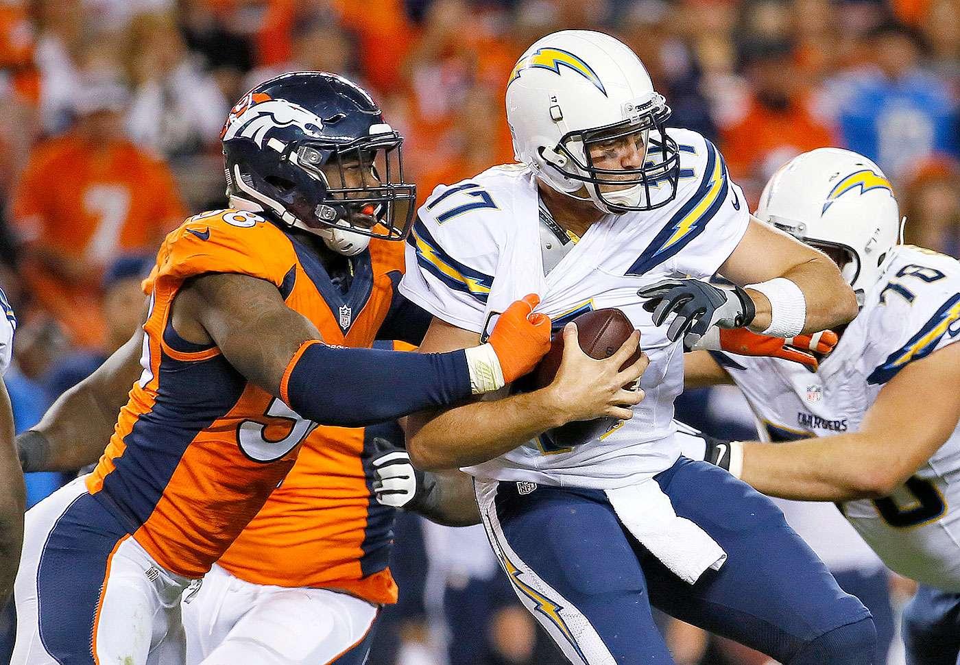 Peyton Manning y Emmanuel Sanders conectaron para tres touchdowns en la victoria por 35-21 de los Denver Broncos sobre los San Diego Chargers en el inicio de la semana 8 de la NFL. Foto: AP