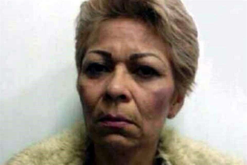 """Ana Patiño López, exesposa de Servando Gómez alias """"La Tuta"""", fue puesta a disposición de la Procuraduría General de la República (PGR). Foto: Reforma/Especial"""