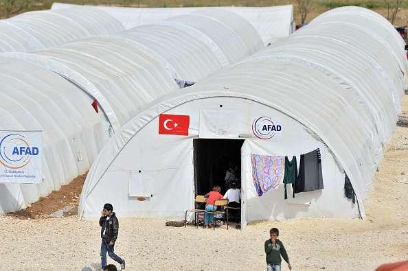 Kurdosirios se encuentran en refugios, en tanto que Washington ha entregado armas y municiones a los combatientes. Foto: Archivo/Getty Images