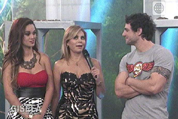 Angie Arizaga, Gisela Valcárcel y Nicola Porcella. Foto: Captura de video