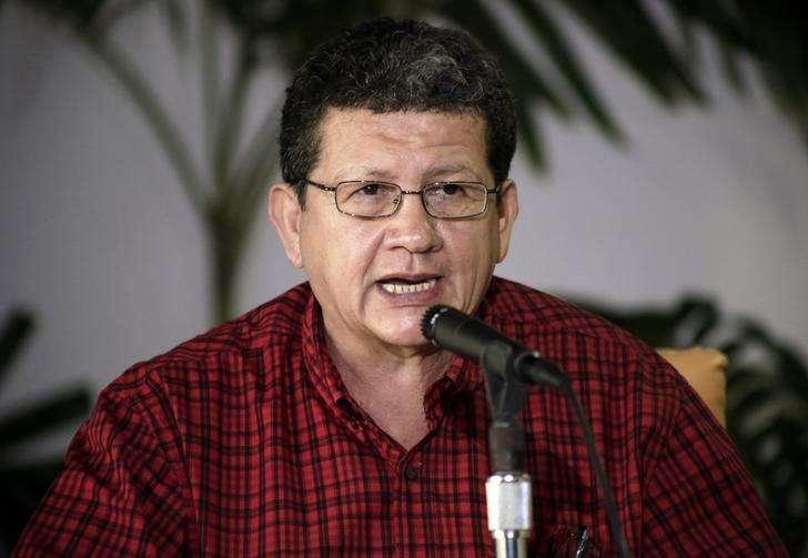 """El negociador de las FARC Pablo Catatumbo en una rueda de prensa en La Habana, mar 4 2014. La guerrilla colombiana de las FARC presentó el viernes en Cuba a su """"comando para la normalización"""", integrado por varios líderes del movimiento rebelde que participarán de una nueva ronda de negociaciones con el Gobierno, una presencia que es vista por las autoridades como un espaldarazo al proceso. Foto: Enrique De La Osa/Reuters"""