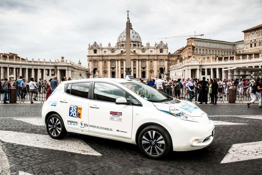 Nissan LEAF se ha utilizado como taxi en ciudades como Lisboa, Ámsterdam, Newcastle y Barcelona, en los Países Bajos ya ha cubierto más de 1.5 millones de kilómetros con su flota de Nissan LEAF. Foto: Nissan