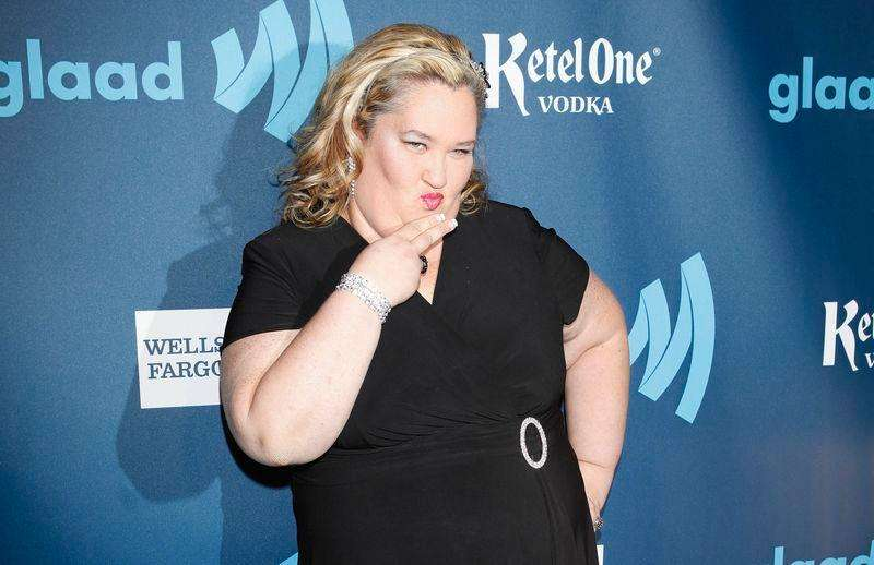 "TV personality June Shannon, from the show ""Here Comes Honey Boo Boo"", arrives for the 24th Annual GLAAD Media Awards in New York, in this March 16, 2013, file photo. Foto: Carlo Allegri/Reuters"