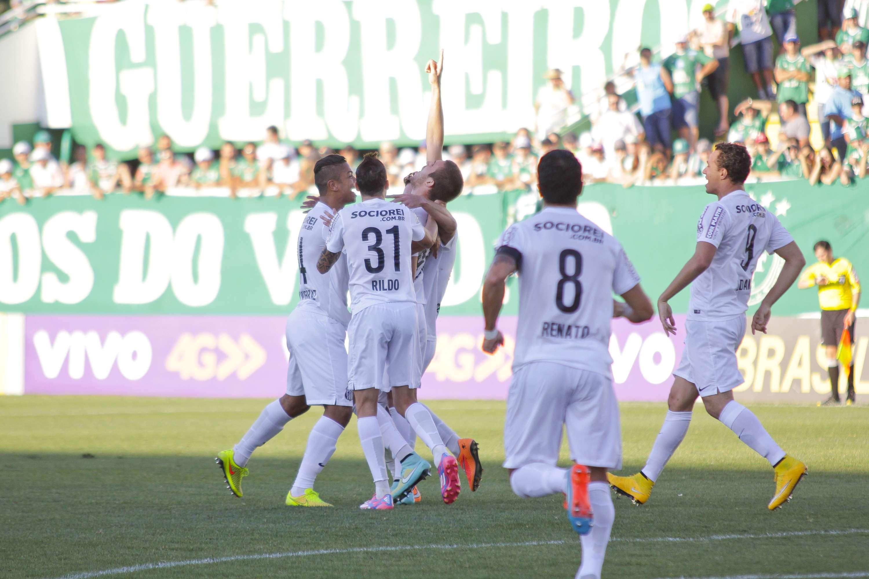 Santos saiu na frente, mas levou empate da Chapecoense Foto: Jardel da Costa/Futura Press