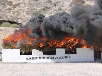 La medida se efectuó en las instalaciones del XXVIII Batallón de Infantería de la Secretaría de la Defensa Nacional, ubicadas en la ciudad de Tijuana, en presencia de autoridades de los tres órdenes de gobierno y personal del Órgano Interno de Control de la PGR. Foto: PGR