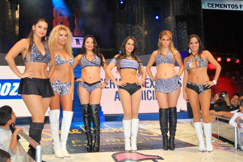 Las Diosas del Ring aparecen en la función del viernes por la noche en la Arena México. Foto: Terra