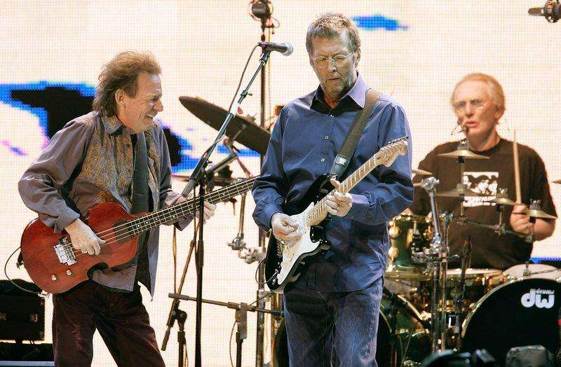 Legendary trio Cream (L-R) bassist Jack Bruce, guitarist Eric Clapton and drummer Ginger Baker perform at Madison Square Garden in New York October 24, 2005. Foto: Brendan McDermid/Reuters