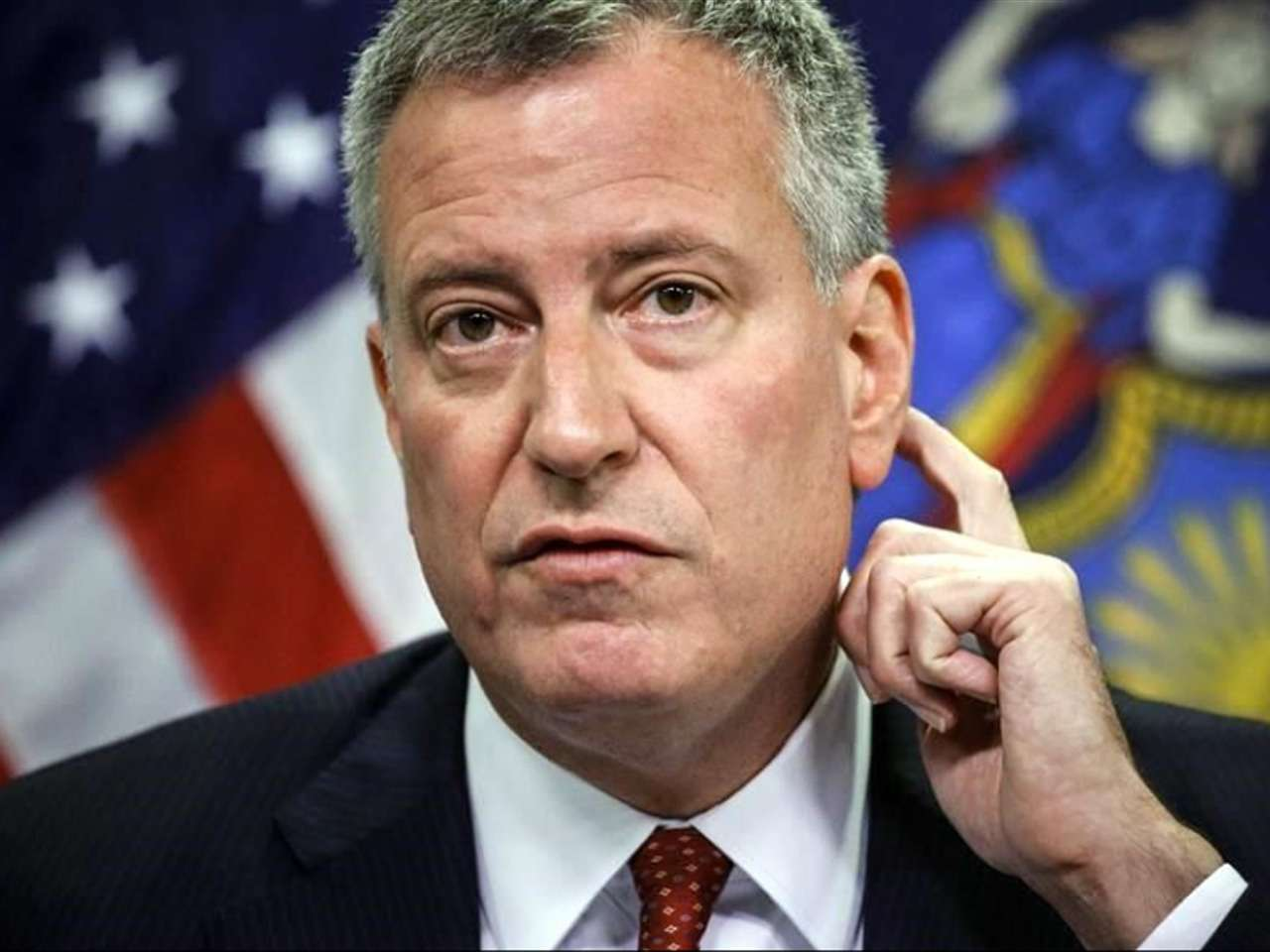 El Alcalde de Nueva York, Bill de Blasio, ofrece una rueda de prensa para pedir calma a la ciudad tras el anuncio del primer contagiado neoyorquino de ébola Foto: AFP en español