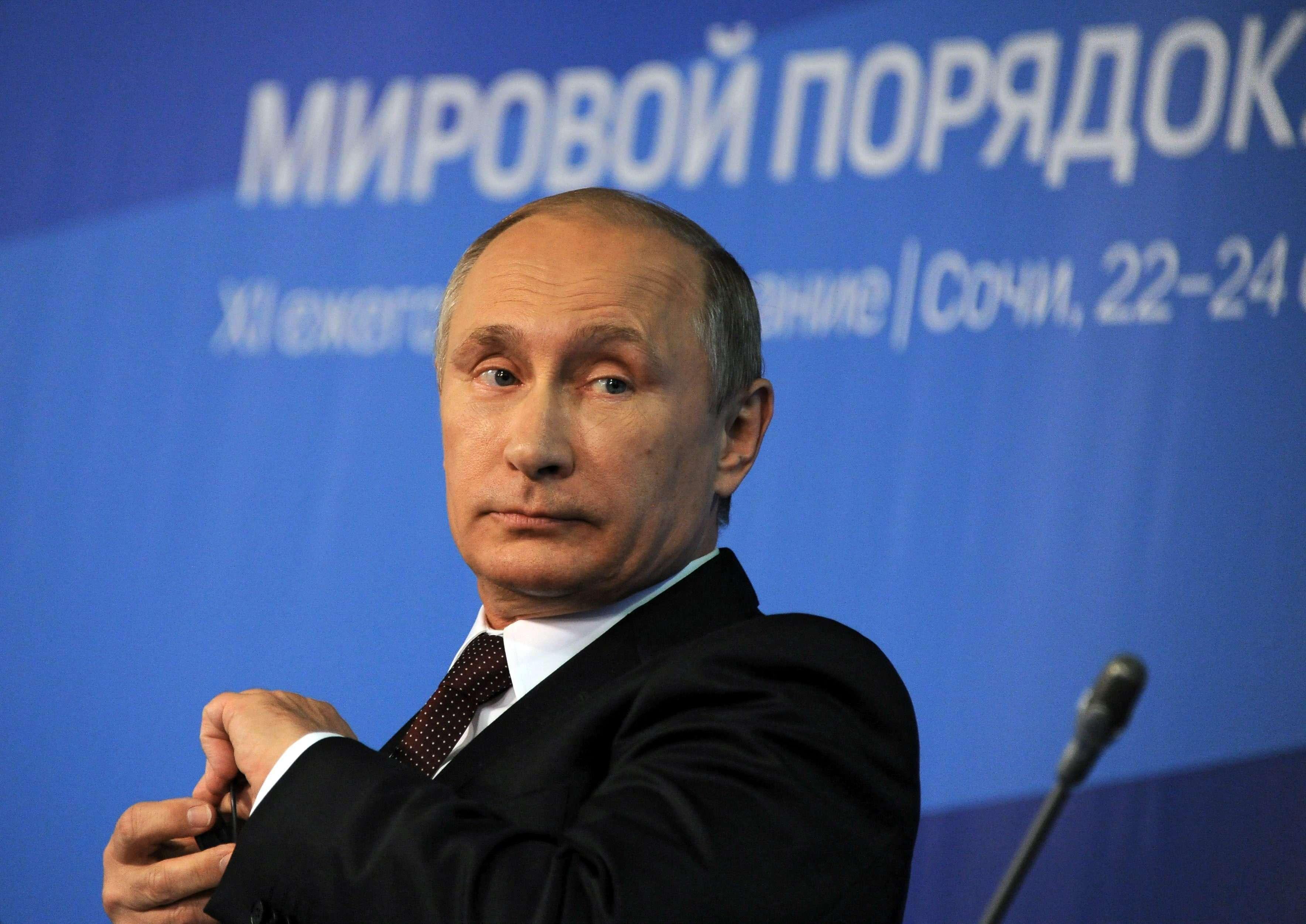 El presidente ruso Vladimir Putin asiste al club de debate 'Valdia' en la localidad de Sochi, Rusia ayer 24 de octubre de 2014. Foto: EFE en español