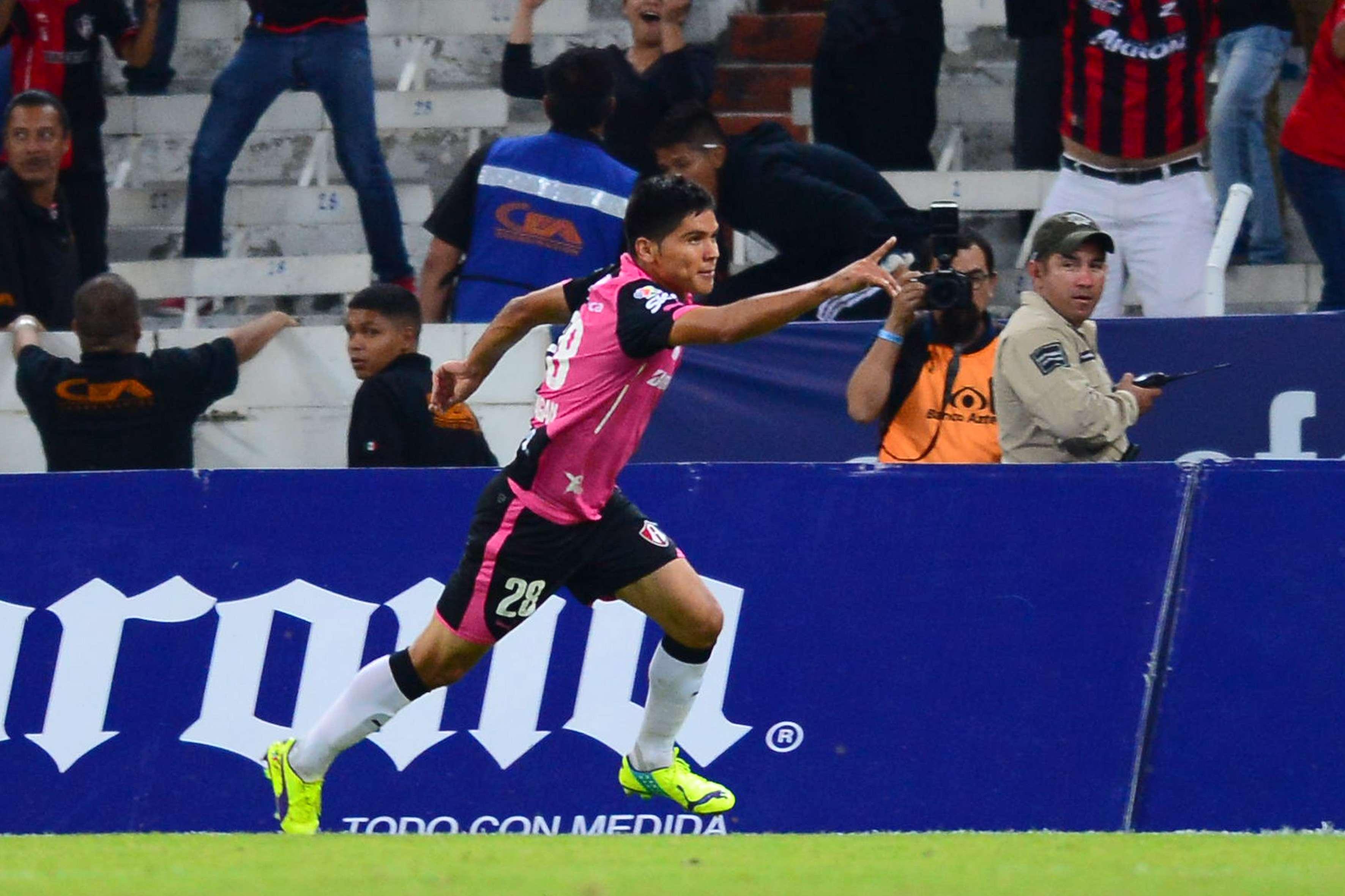 Barragán anota el gol del triunfo para Atlas. Foto: Mexsport