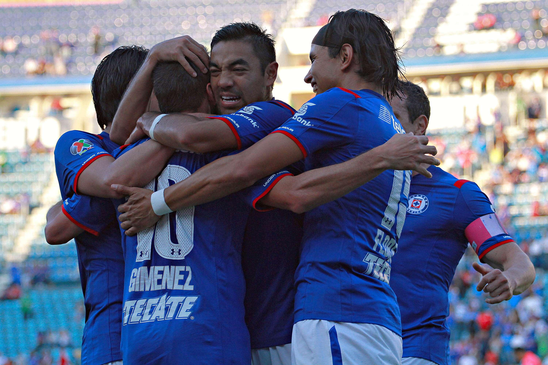 Con dos goles de Mariano Pavone y otro de Christian Giménez, Cruz Azul venció 3-1 a Morelia en la Jornada 14 del Apertura 2014. Carlos Guzmán descontó por los michoacanos. Foto: imago7