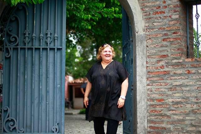 """Aleida Guevara, doctora y escritora quien es hija de Ernesto """"Che"""" Guevara , realizo este mediodía un recorrido por el ex cuartel Terranova de la Dina en Villa Grimaldi. Foto: Agencia UNO"""