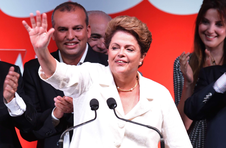 """Dilma se comprometió a """"promover con urgencia acciones localizadas, en especial en la economía, para retomar el ritmo del crecimiento"""". Foto: EVARISTO SA/AFP"""