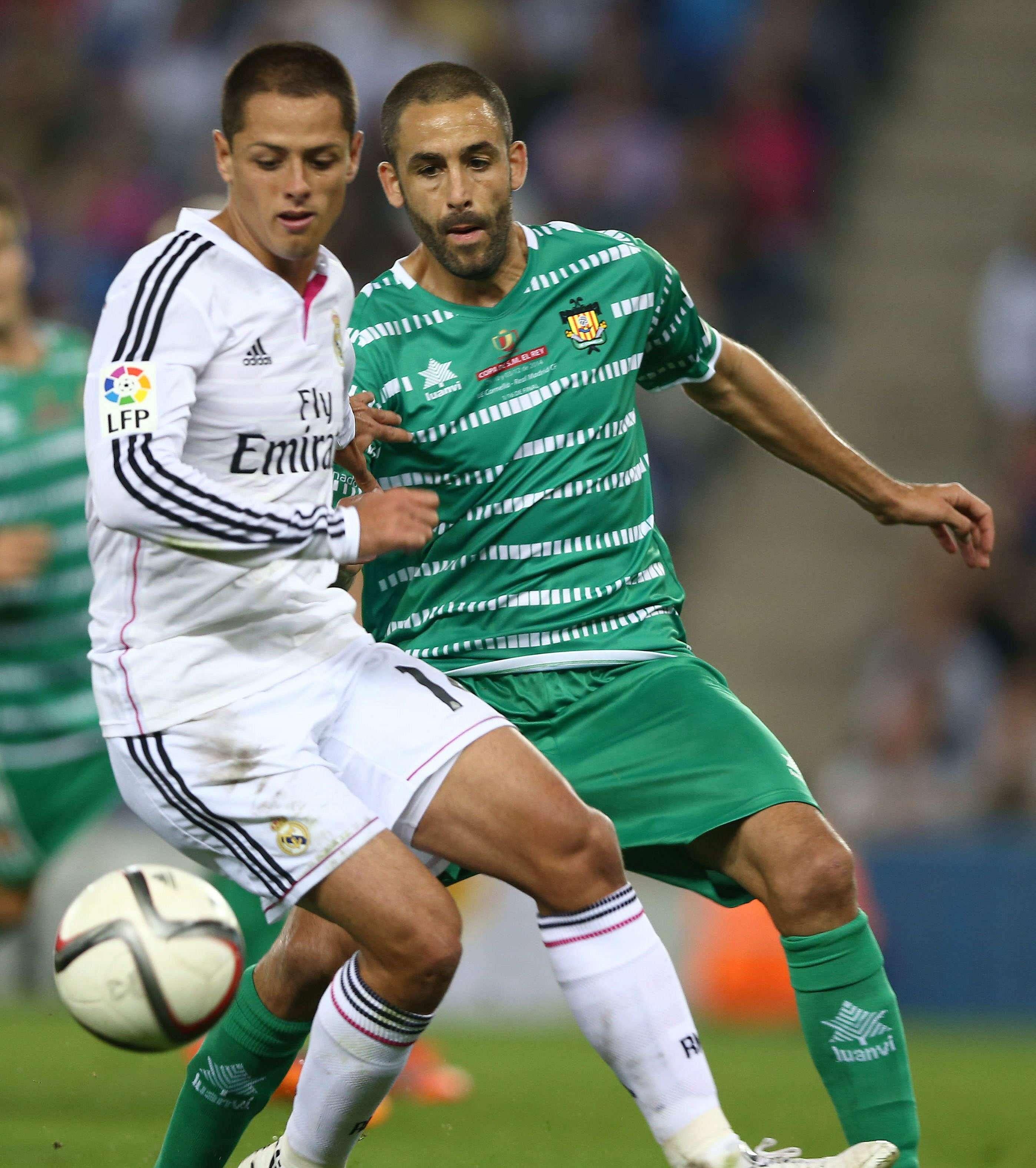 """Javier """"Chicharito"""" Hernández en el partido ante Cornellá. Foto: EFE"""