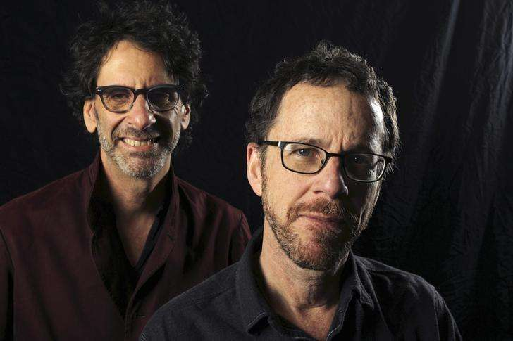 Directors Joel Coen (L) and Ethan Coen pose for a photo in Los Angeles, California, November 15, 2013. Foto: David McNew/Reuters