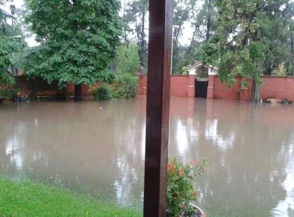 El temporal que azotó a la ciudad de Buenos Aires dejó un número récord: según informó el Servicio Meteorológico Nacional (SMN), hasta esta madrugada habían llovido 111,1 milímetros. Foto: Agencias