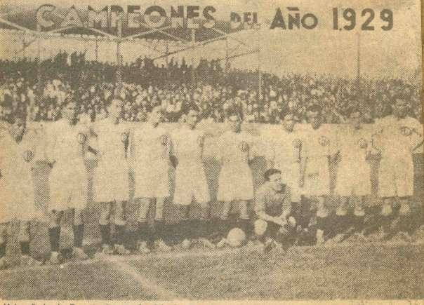 El equipo campeón de Universitario en 1929, cuando el club se llamaba Federación Universitaria. Foto: Wikipedia