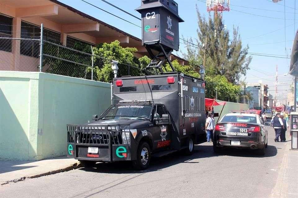 Los profesores y la conserje de una primaria, en Ecatepec, fueron asaltados el martes por dos individuos armados que entraron al plantel aprovechando que había una junta con padres de familia. Foto: Alejandro León